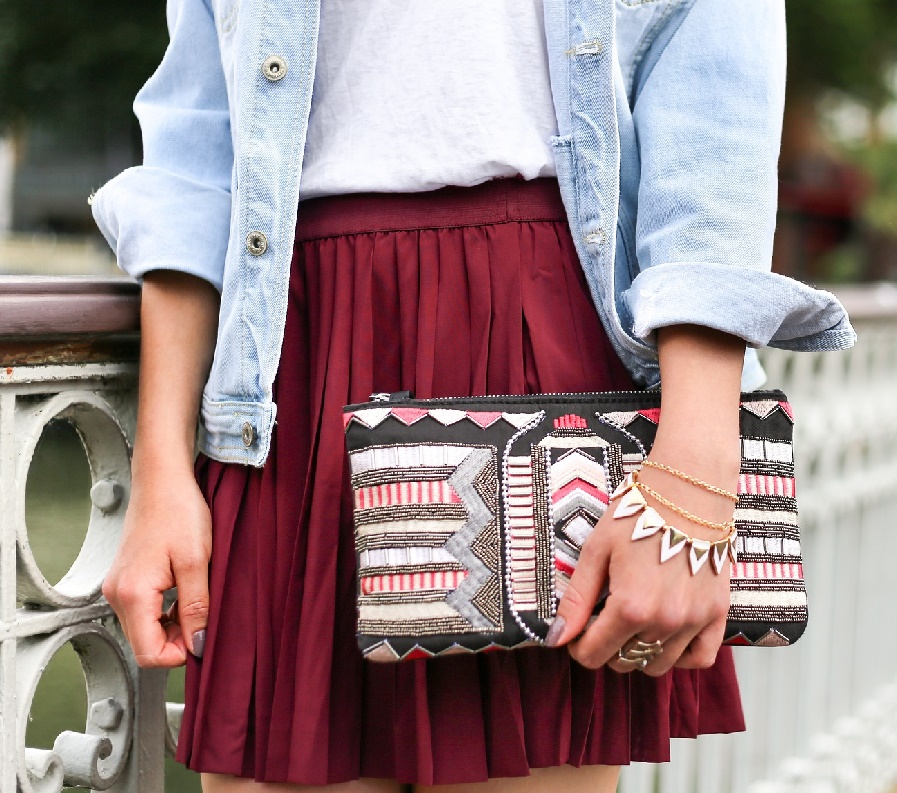 Tips For Wearing A Mini Skirt Without Being Overexposed